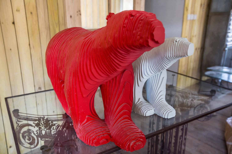 Michel Audiard Sculpteur Stylo michel audiard, l'artiste-sculpteur des plaques d'aviateurs